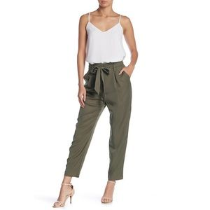 Paper bag pants in olive green